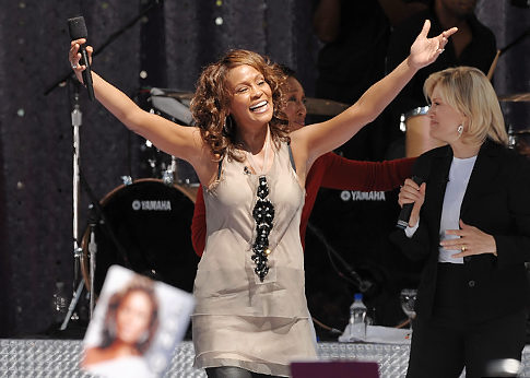 Alg_whitney_houston_gma_concert